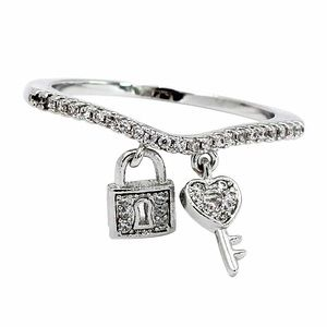 Fashion heart lock ring